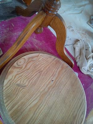 paso a paso de restauración de mesilla antigua
