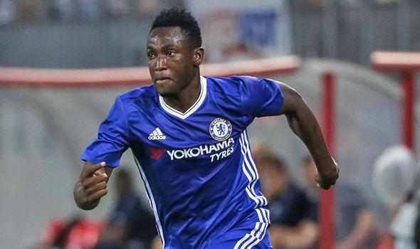 Baba Rahman Resmi Berkostum Schalke