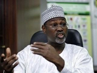 Siyasa :  Majalisar dattawa data wakilai suna kalubalantar Jega akan battancin da yayi akan su