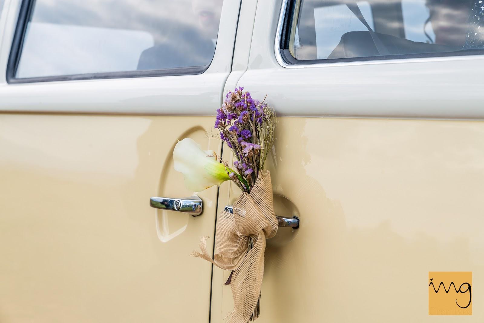 Reportaje de boda con una Volkswagen T2 en Granada