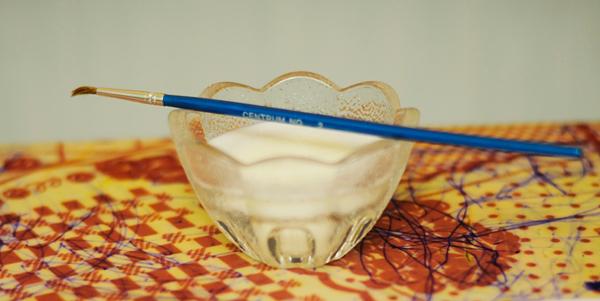 Pintar con leche entre juego y tecnica