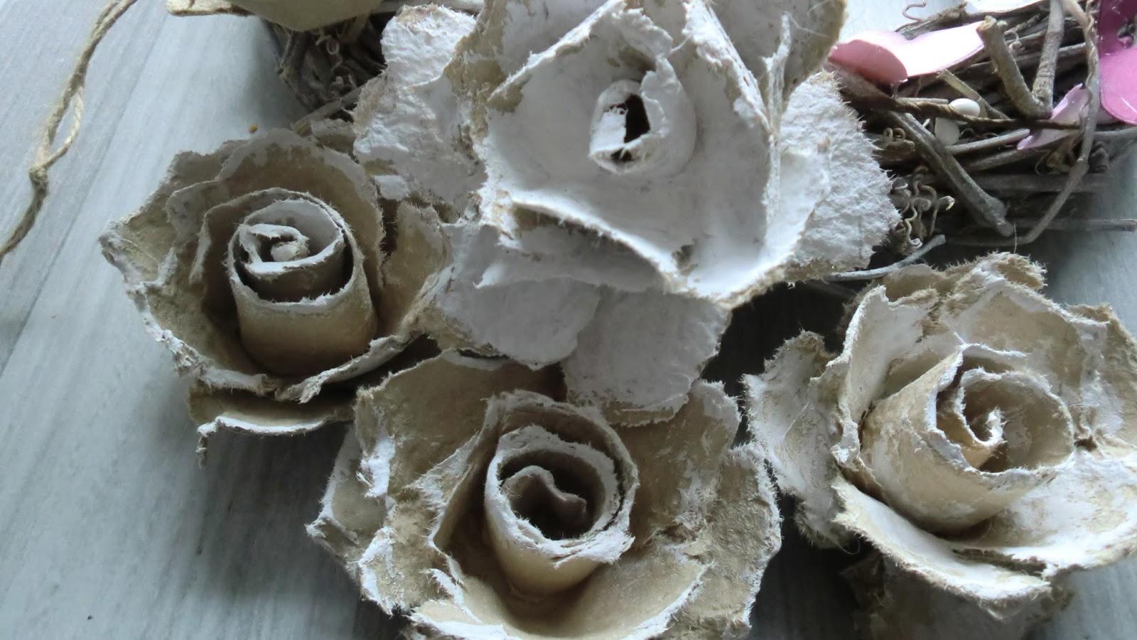 IzzyArt Rosen aus Eierkarton