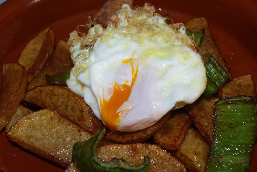Recetas europeas huevos rotos españoles