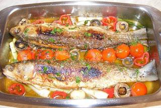 Peste chefal fript la tigaie cu legume reteta de casa pescareasca cu rosii cherry ciupeci usturoi ceapa retete culinare mancare mancaruri cu pește preparate,