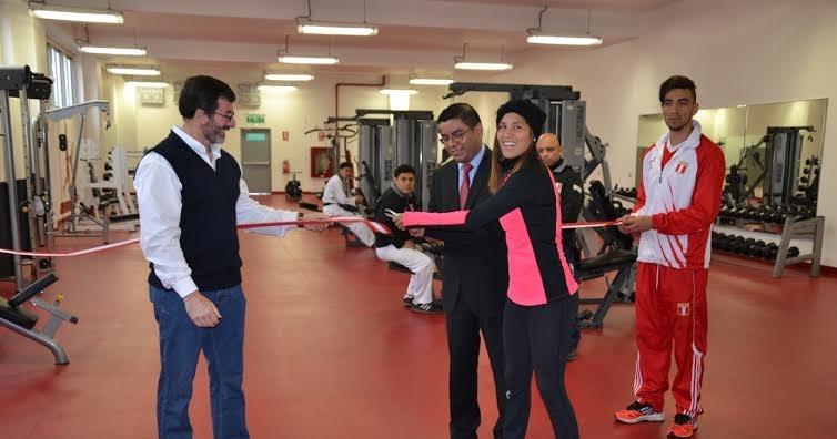 Holaesungusto ipd inaugur moderno gimnasio en el for Gimnasio del centro