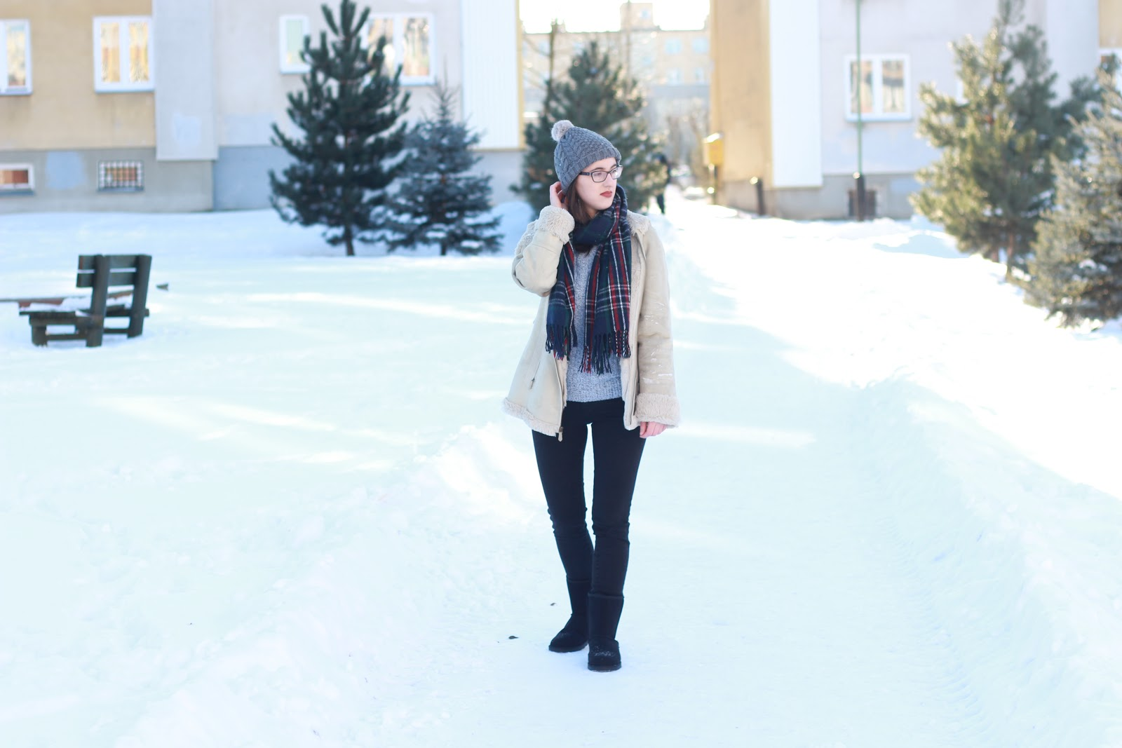 blogger wearing shearling coat