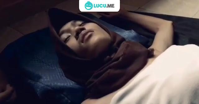 10 Video Parodi 'Wik Wik Wik' yang Kocaknya Bikin Nambah Dosa