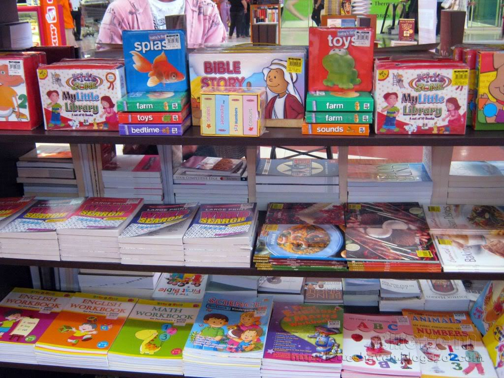 Justin Aquino's Blog: What Can I Buy In National Bookstore?