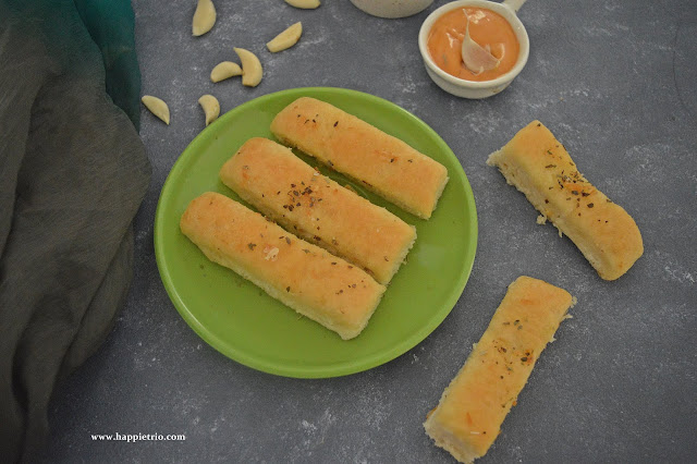 Garlic Bread Sticks Recipe | Domino's style Garlic Breadsticks