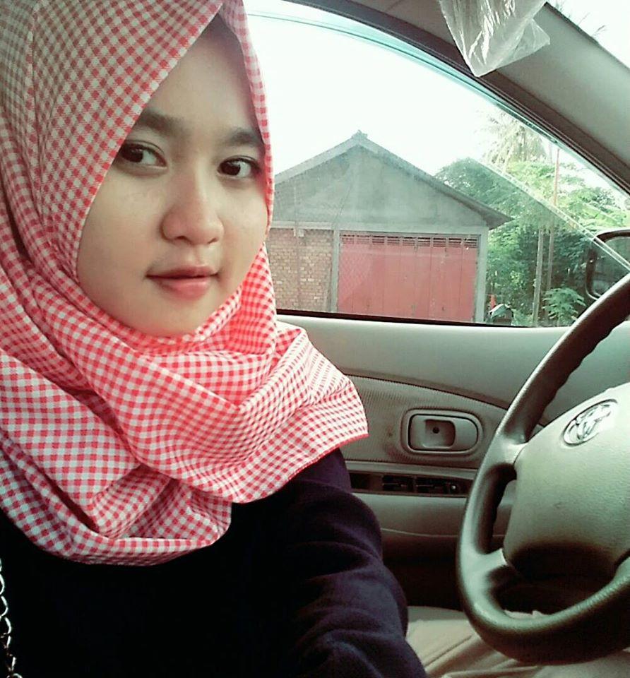 Langkah Mudah Cara Memakai Jilbab Pashmina Sifon Yang Simple