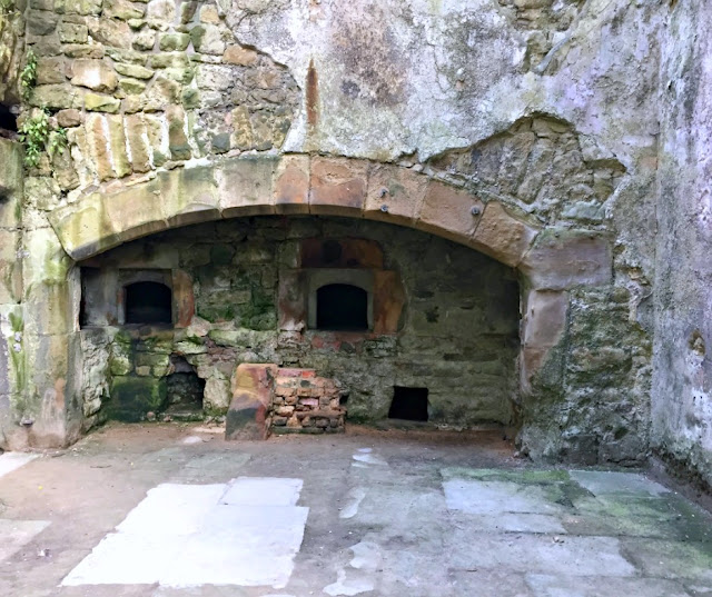 hardwick-old-hall-bread-oven