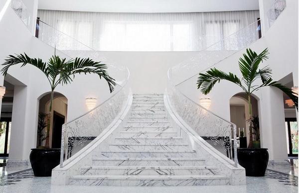 cầu thang đá marble trắng ý