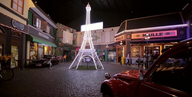 miniatur menara eifeil museum angkut