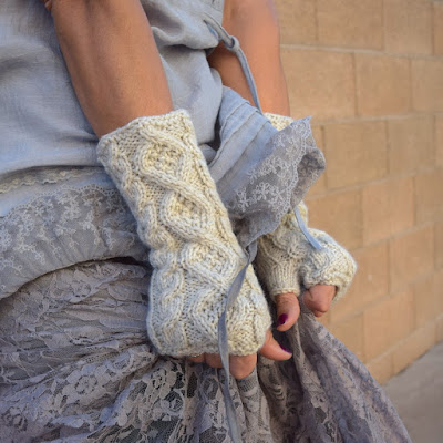 https://www.etsy.com/listing/269387099/knit-arm-warmers-oatmeal-romantic-cable?ref=shop_home_active_5