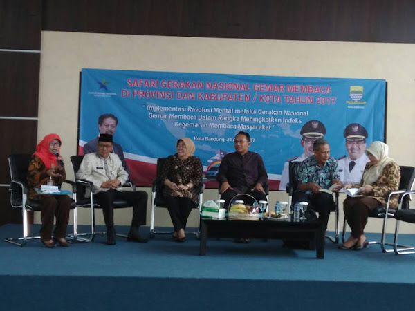 Safari Gerakan Nasional Gemar Membaca Bandung