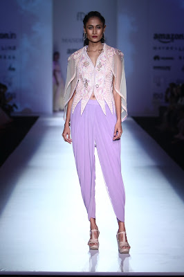 AIFW SS 2017: Model displayed the Mandira Wirk Collection