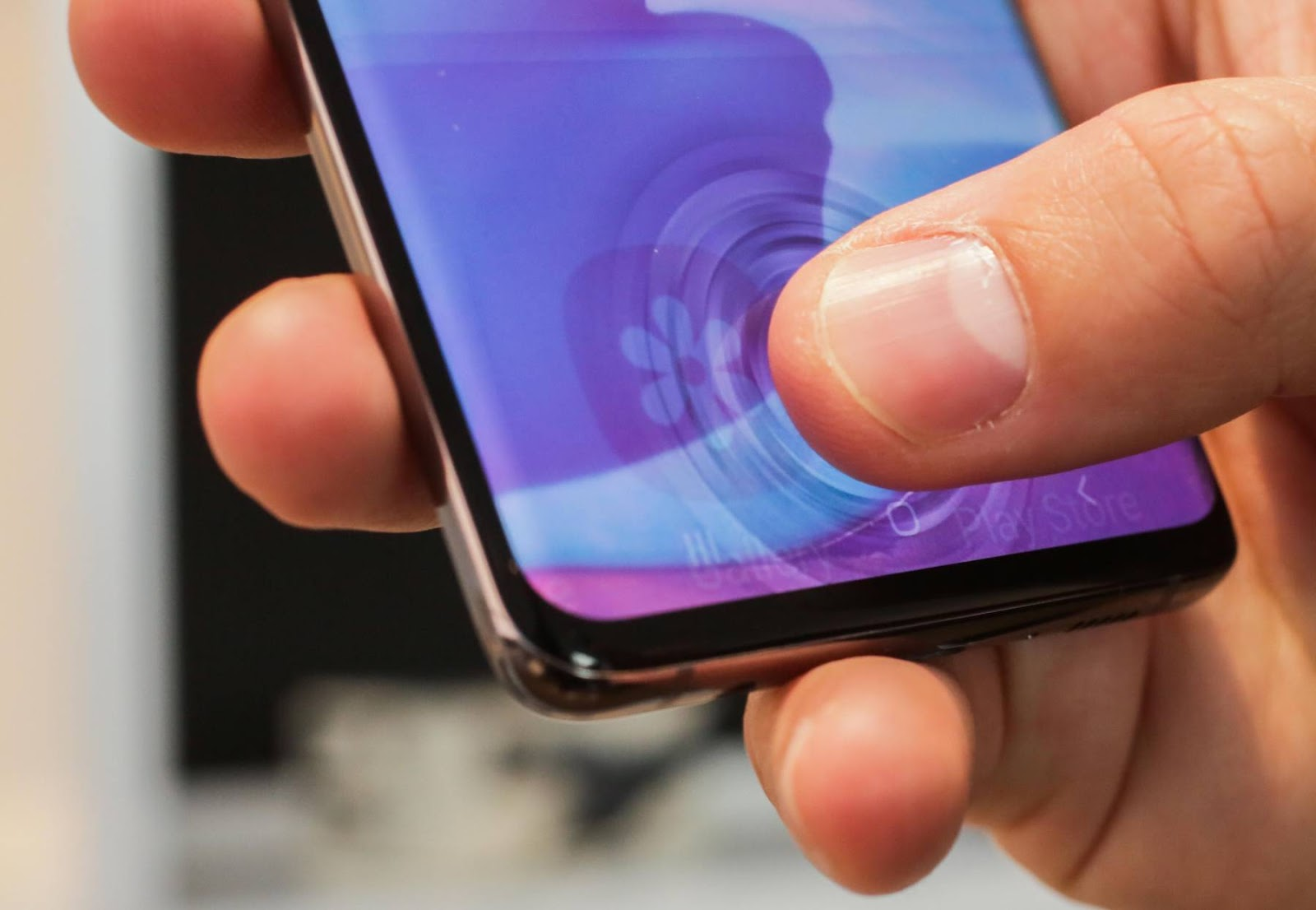 In an experiment a security researcher attempted to fool the Samsung Galaxy S10's ultrasonic fingerprint scanner by using 3d printing