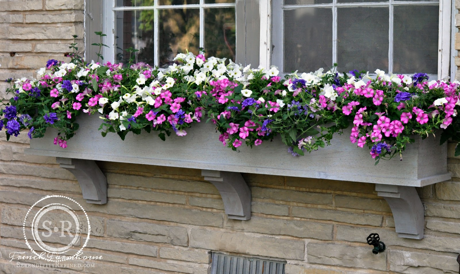 serendipity refined blog how to build a diy rustic cedar window flower box. Black Bedroom Furniture Sets. Home Design Ideas