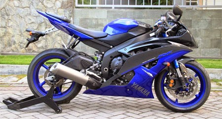 Yamaha R6 Blue Race