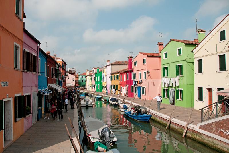Une rue colorée de Burano