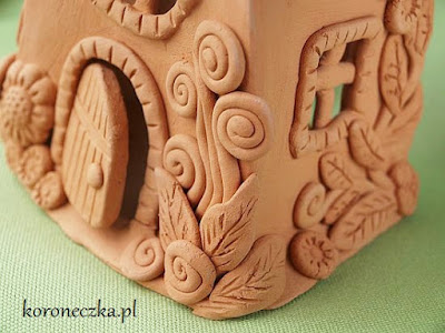 kawałek domku z gliny