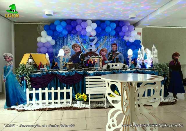 Mesa de tema tradicional de tecido - Decoração de aniversário Frozen para festa infantil feminina
