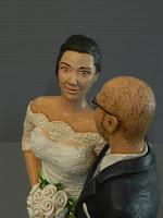 statuina sposa bouquet rose bianche cake topper personalizzato orme magiche