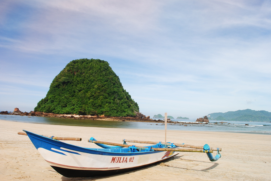 Keeksotisan Pantai Pulau Merah Banyuwangi Pantai Yang Diminati