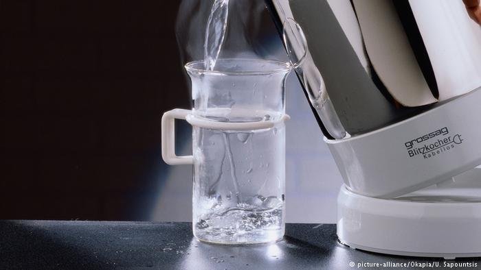 9 Khasiat Minum Air Hangat di Pagi Hari