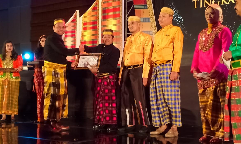 KPU Bone Sabet Juara 1 Partisipasi Pemilih Tertinggi Tingkat Desa di Pilkada Awards