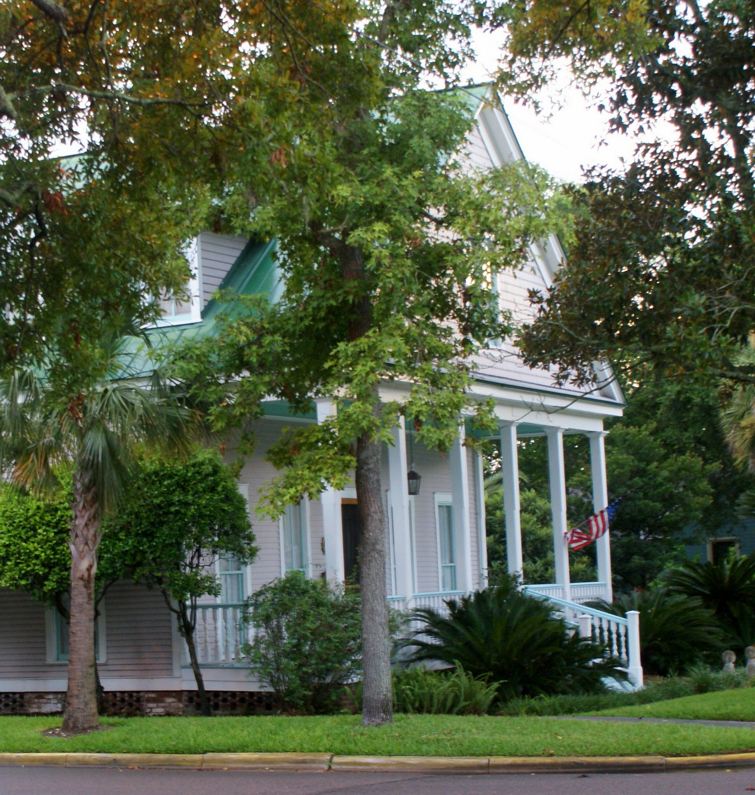 A Little Loveliness: Historic Homes Of Amelia Island