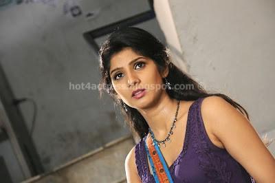 Joshna hot photos in tight dress