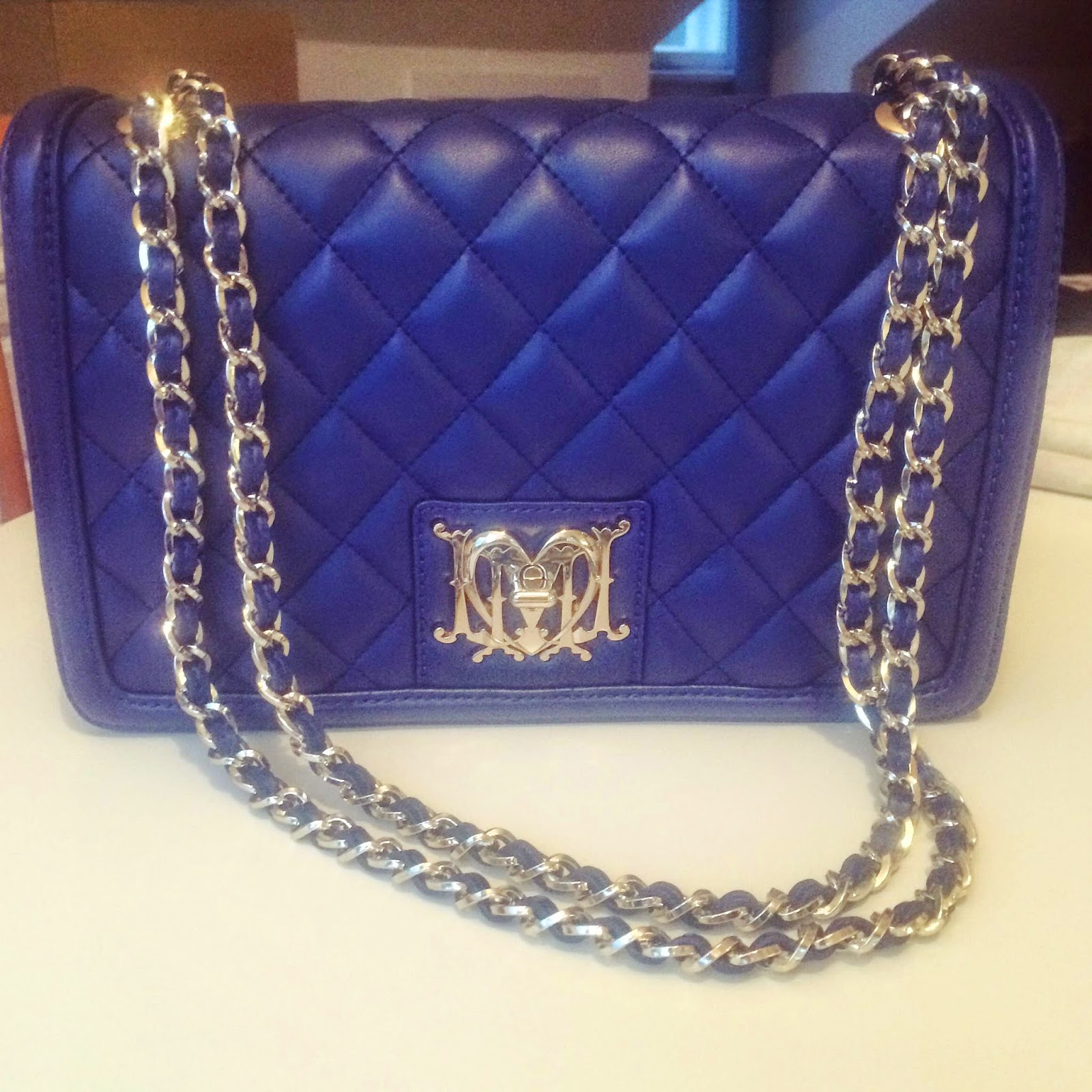 love-moschino-blue-handbag