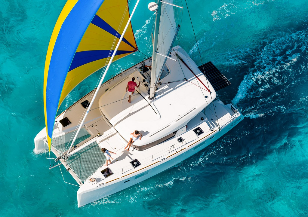 Luxury Sailing to Myconos - Cyclades with a luxury Catamaran