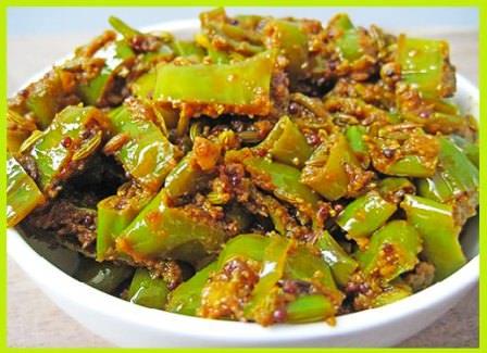 हरी मिर्ची के टिपोरे बनाने की विधि   How to Make Instant Chilli Pickle