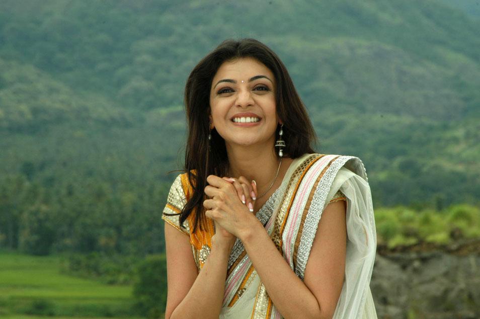 Telugu Actress Jyothi In Blue Salwar: Singham Babe Kajal Agarwal Stills In Saree