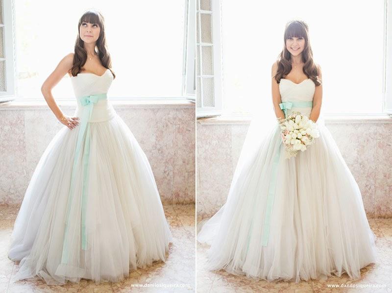 noiva - making of noiva - making of - dia da noiva - pentedo - noiva cabelo solto - vestido - vestido noiva - vestido noiva fita - vestido noiva fita azul - algo azul - something blue - bouquet - azul tiffany - casamento de dia - casamento ao ar livre