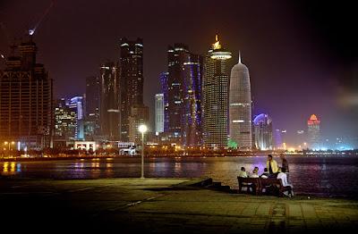 doha Qatar skyline notte