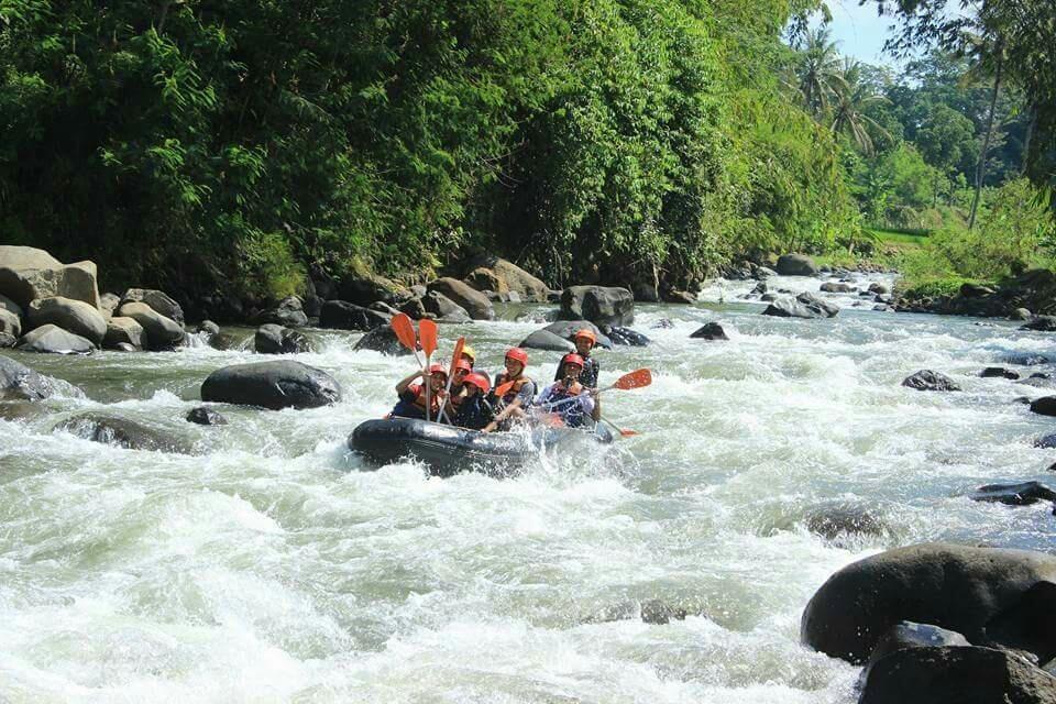 Wisata Arung Jeram Di Hulu Kali Comal Orang Pemalang