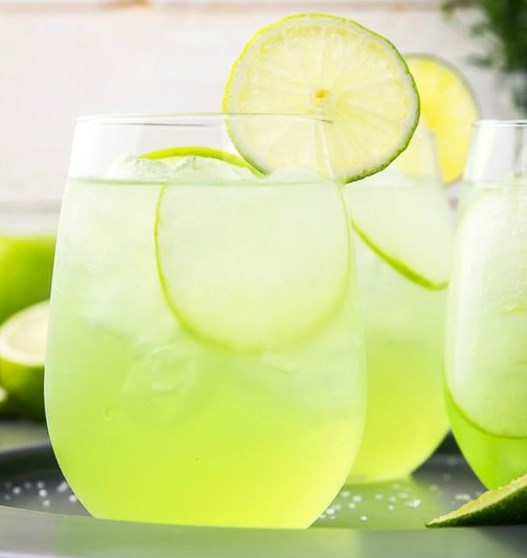 Sour Apple Tequila Cocktail – The Lucky Shamrock #Drink #Cocktail