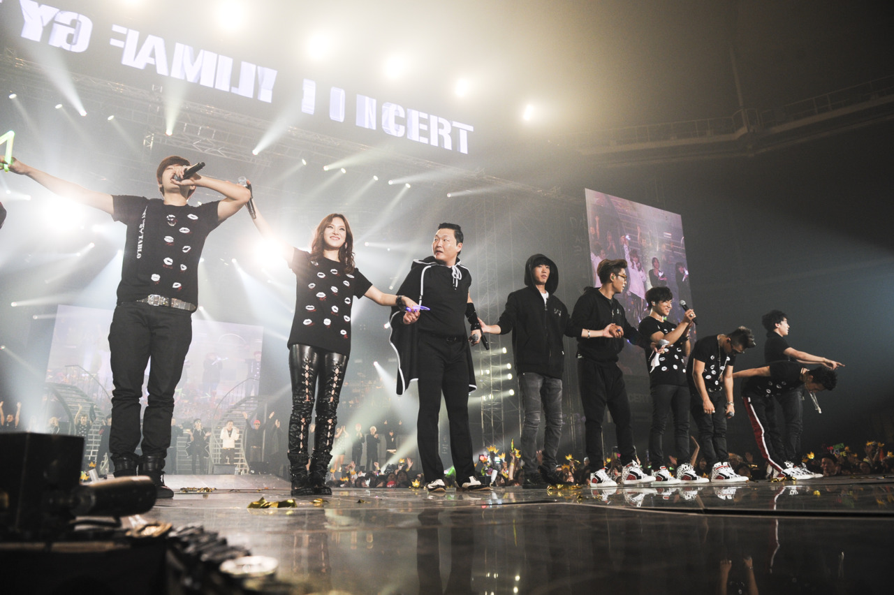 Daily2NE1♥: 15th anniversary YG Family Concert is an