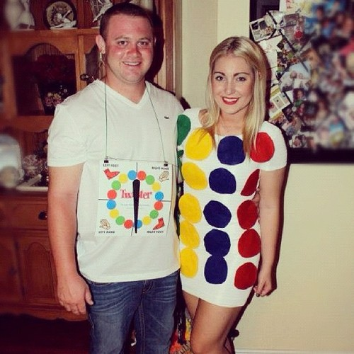 26 last minute halloween costumes her campus 1 twister solutioingenieria Choice Image
