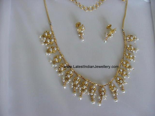 Light Weight Trendy Pearl Necklace Latest Indian