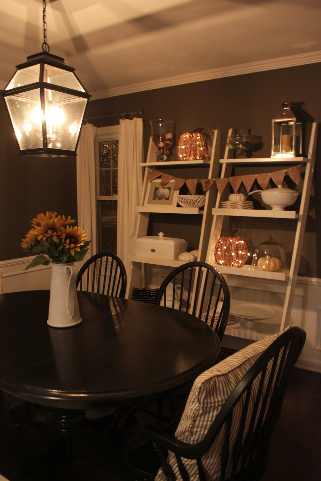 The Fat Hydrangea: Dining Room Thanksgiving Decor + My