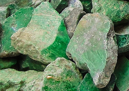 Green jade chunks
