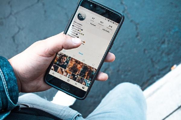 4 تطبيقات لإنشاء قصصة انستغرام جذابة