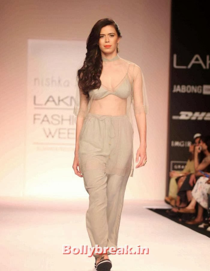 Sucheta Sharma, Hot Models Walk Ramp for Nishika Lulla Show at LFW Summer Resort 2014