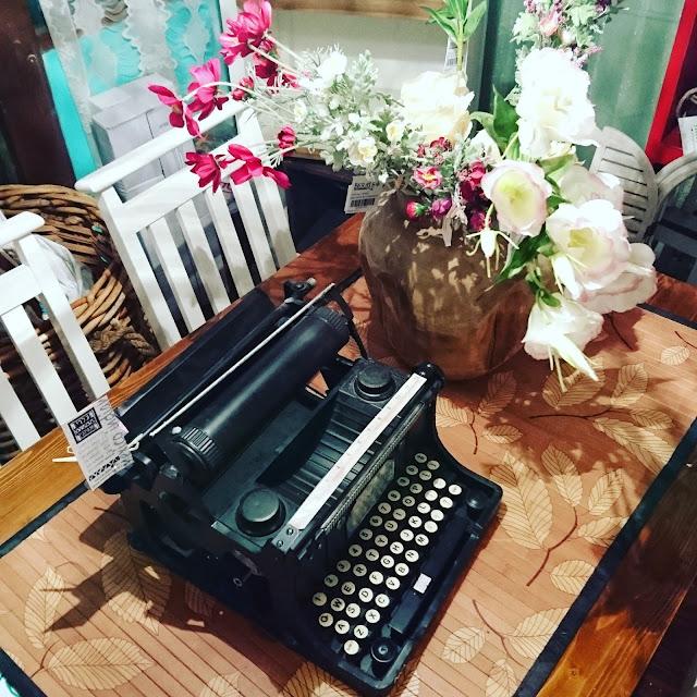 הגלריה המקסיקנית המקום לעיצוב הבית - מכונת כתיבה