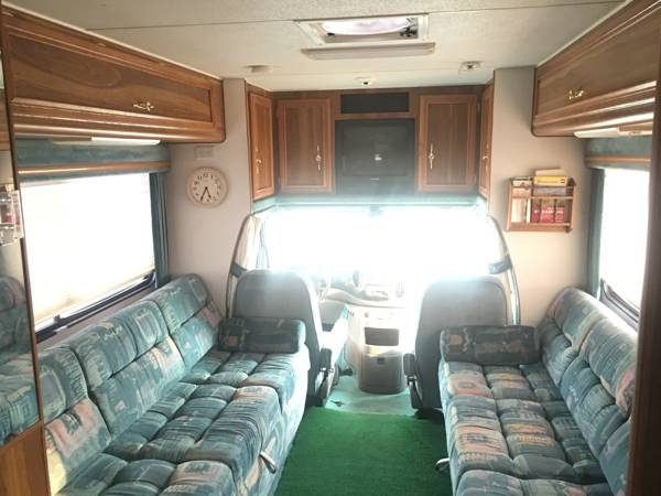 Used RVs Like New 2001 Lazy Daze RV Diesel For Sale by Owner