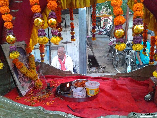 Image: Balaji Palkhi inside view